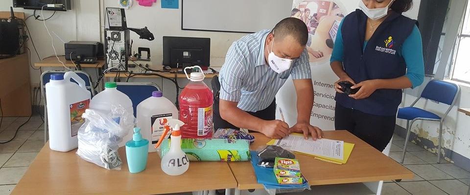 OPORTUNA DONACIÓN DE INSUMOS E IMPLEMENTO DE BIOSEGURIDAD AL INFOCENTRO DE GUAYQUICHUMA